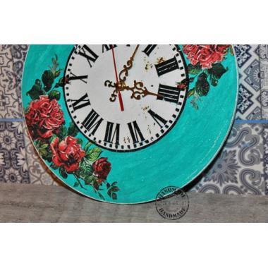 Настенные часы с бирюзой Винтажность роз