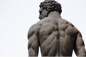 Гайд: как правильно и правдоподобно рисовать мышцы